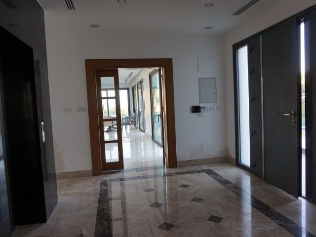 Alsancak da 4+1 Ultra Luxury Villa