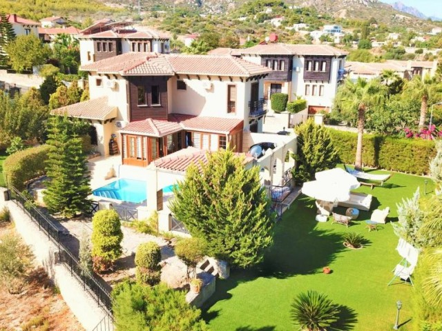 Stunning Home with Private Pool For Sale in Bellapais
