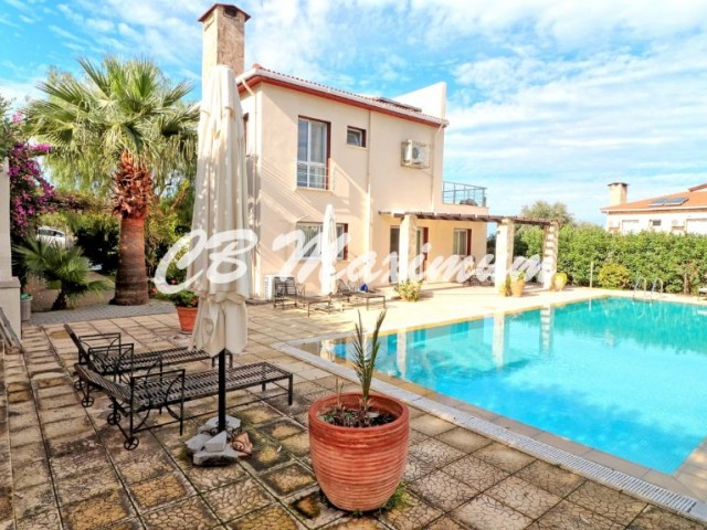 Kyrenia, Edremit, Villa For Sale In a 700 m2 Plot