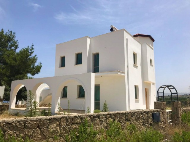 Garden villa for sale in Kyrenia Çatalköy with 3 + 1 swimming pool and super mountain sea view