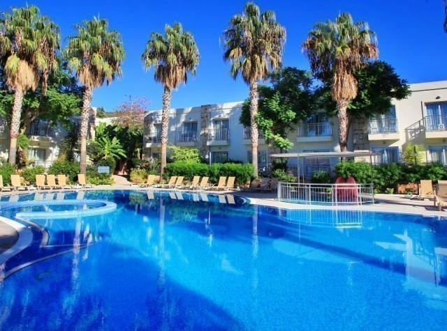 FOR SALE HOTEL IN KYRENIA