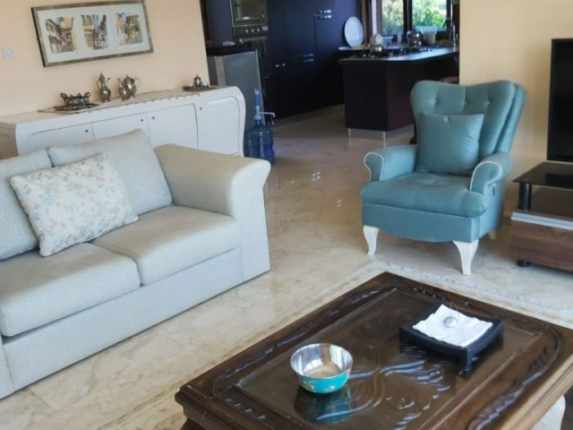 TURKISH TITLE 3 BEDROOM VILLA WITH SWIMMING POOL IN KARŞIYAKA VILLAGE VERY CLOSE TO THE SEA