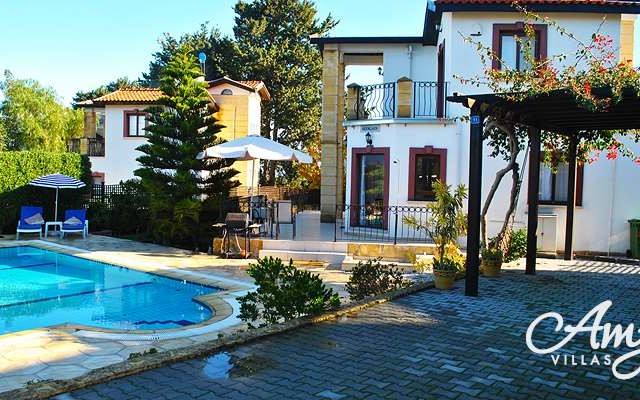 Villa in ALSANCAK  3+1  with swimming pool and individual title deeds- FREE HOLD. Contact : Doğan BORANSEL 0533-8671911