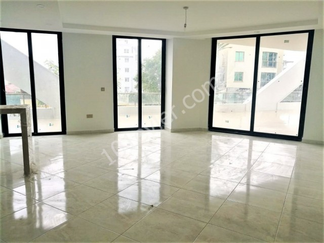 For rent offices in luxury building