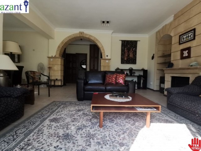 Top Quality 3 Bed Villa with Pool in Lapta