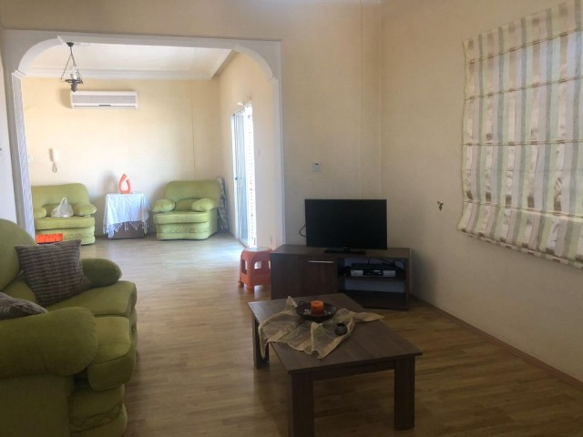 3+2 Apartment for sale , 145m2 old but gold
