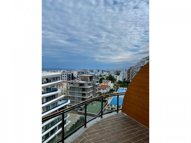 3 bedroom penthouse for sale in Kyrenia