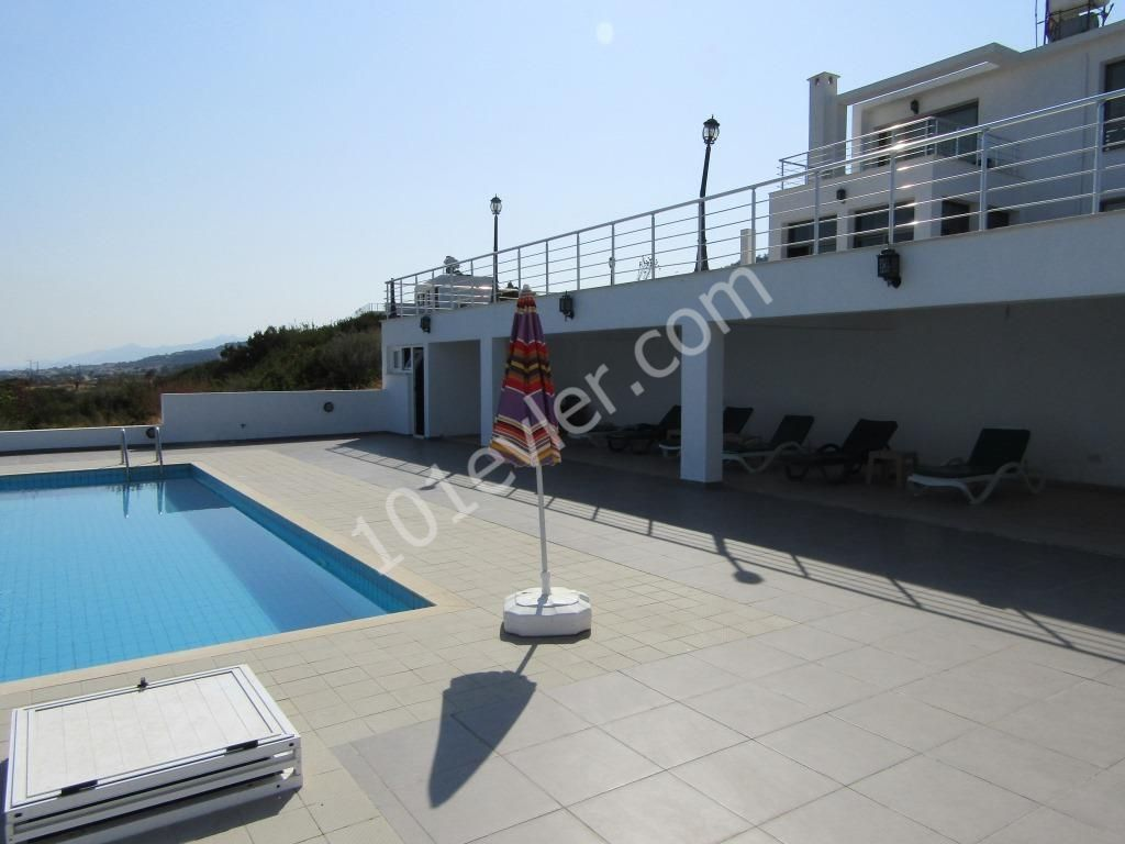 'Executive 3 bedroom Private VILLA, Perfect cliff top location situated directly above the shoreline