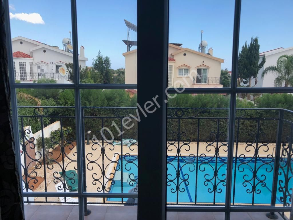 4 bed plus Penthouse Lux Villa. Own pool